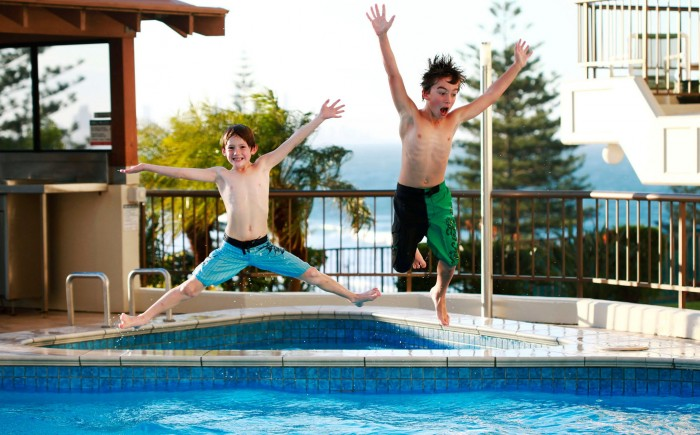 25 Swimming Pool And Water Games Icebreakerideas