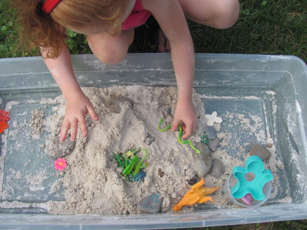 What Your Children Learn While Playing with Moon Sand