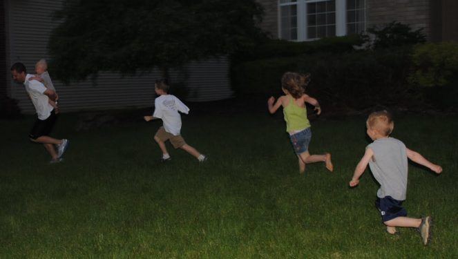 15 Awesome Night Games for the Whole Family