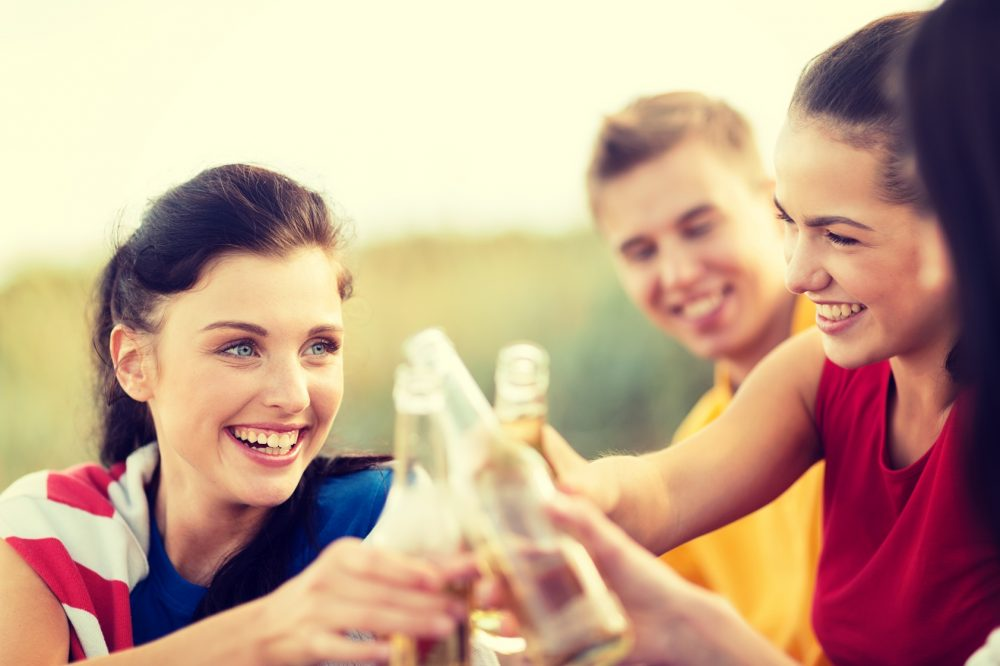25 best drinking games for your summer party icebreaker ideas