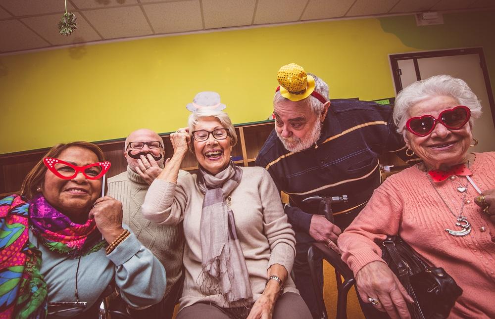 14 Best Retirement Party Ideas [Decoration Games Food]