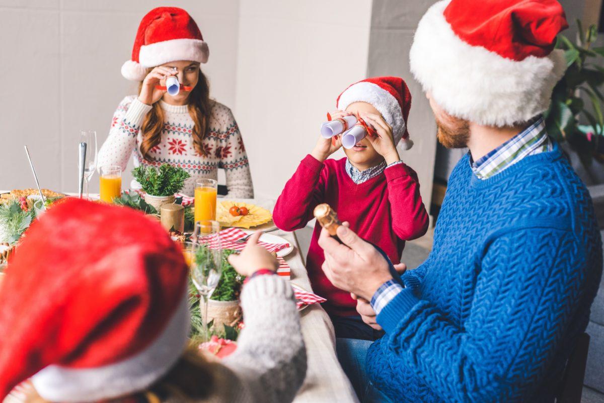 111 Funny Christmas Puns