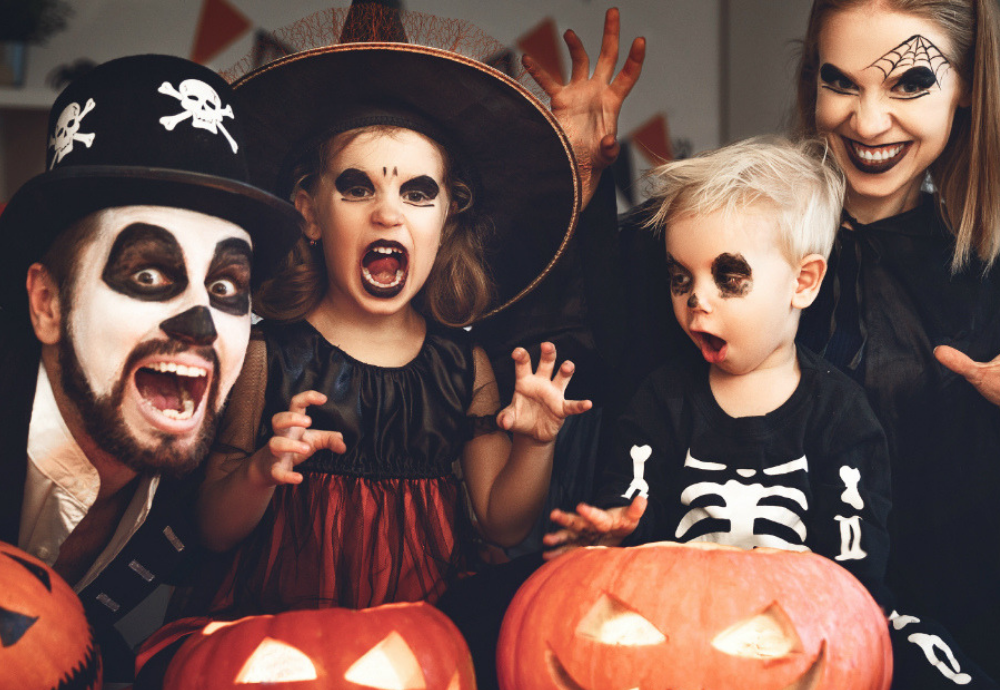 128 Funny Halloween Puns (Conversation & Jokes)